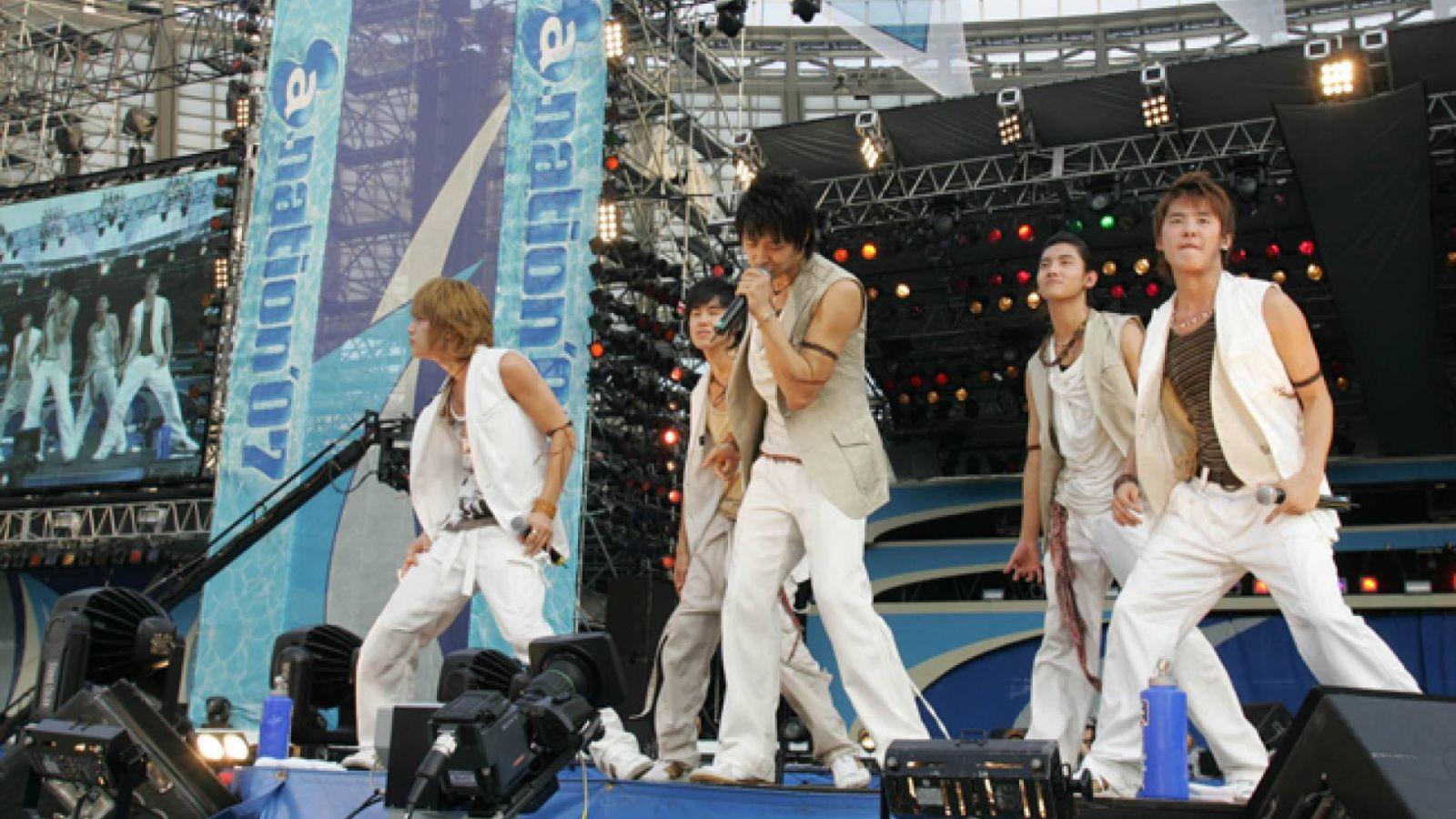 Tohoshinki no A-Nation 2007 © Avex Entertainment Inc.