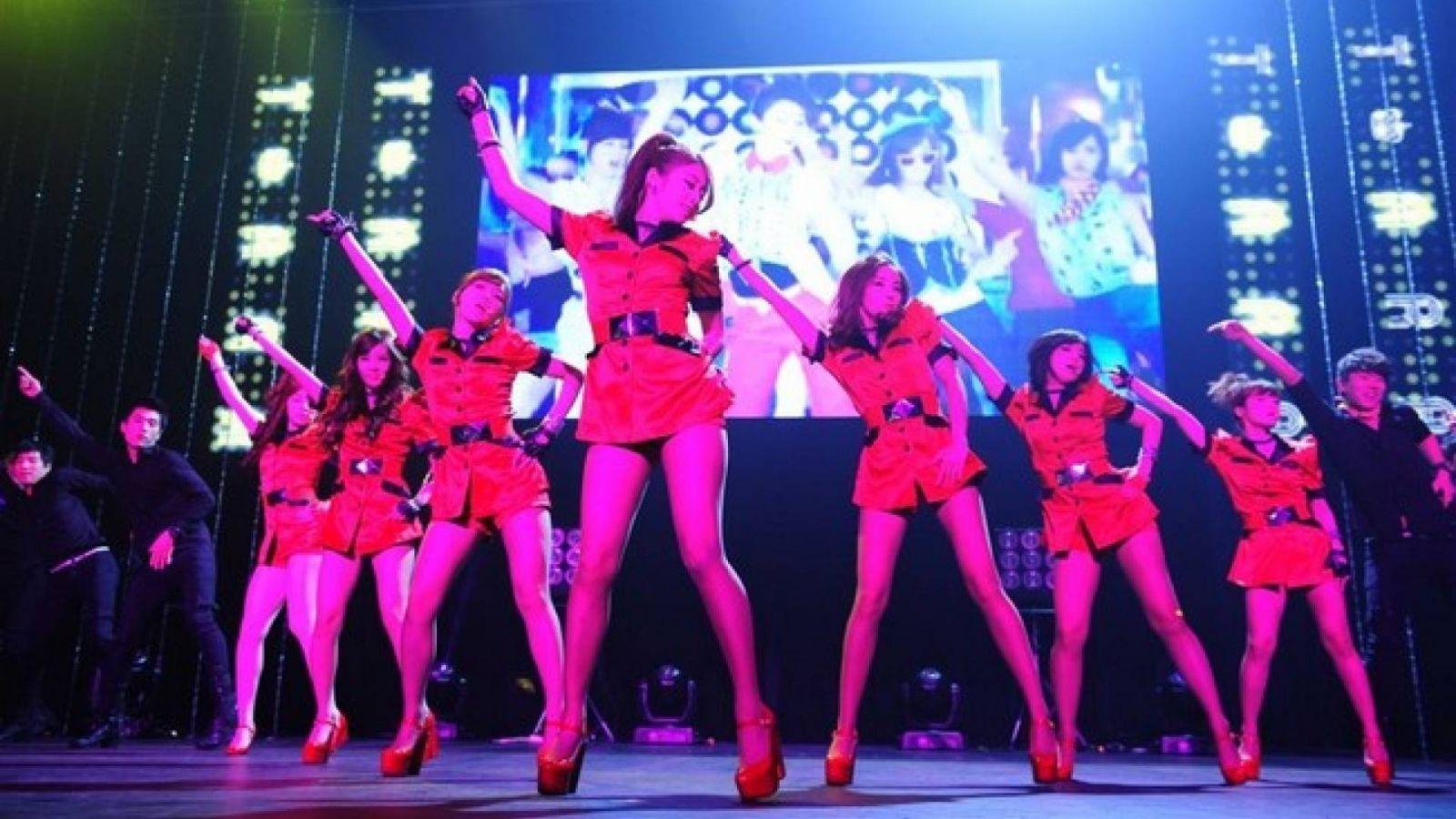 Le groupe T-Ara s'empare du Japon au Shibuya AX © J-ROCK