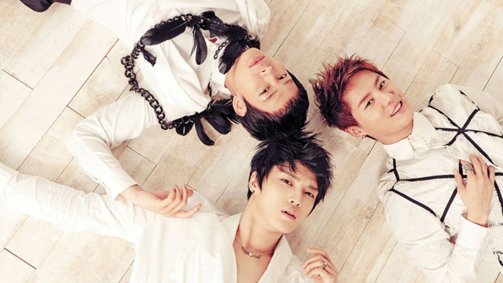 Comeback do JYJ e turnê pela Ásia © C-JeS Entertainment