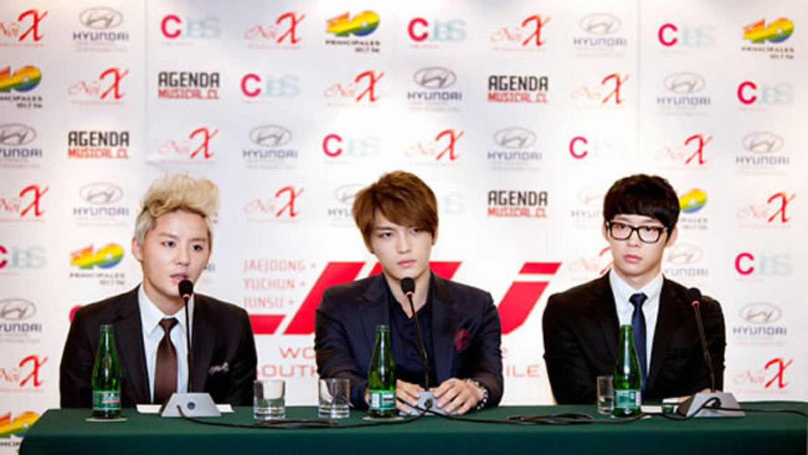 Rueda de prensa de JYJ en Chile © C-JeS Entertainment