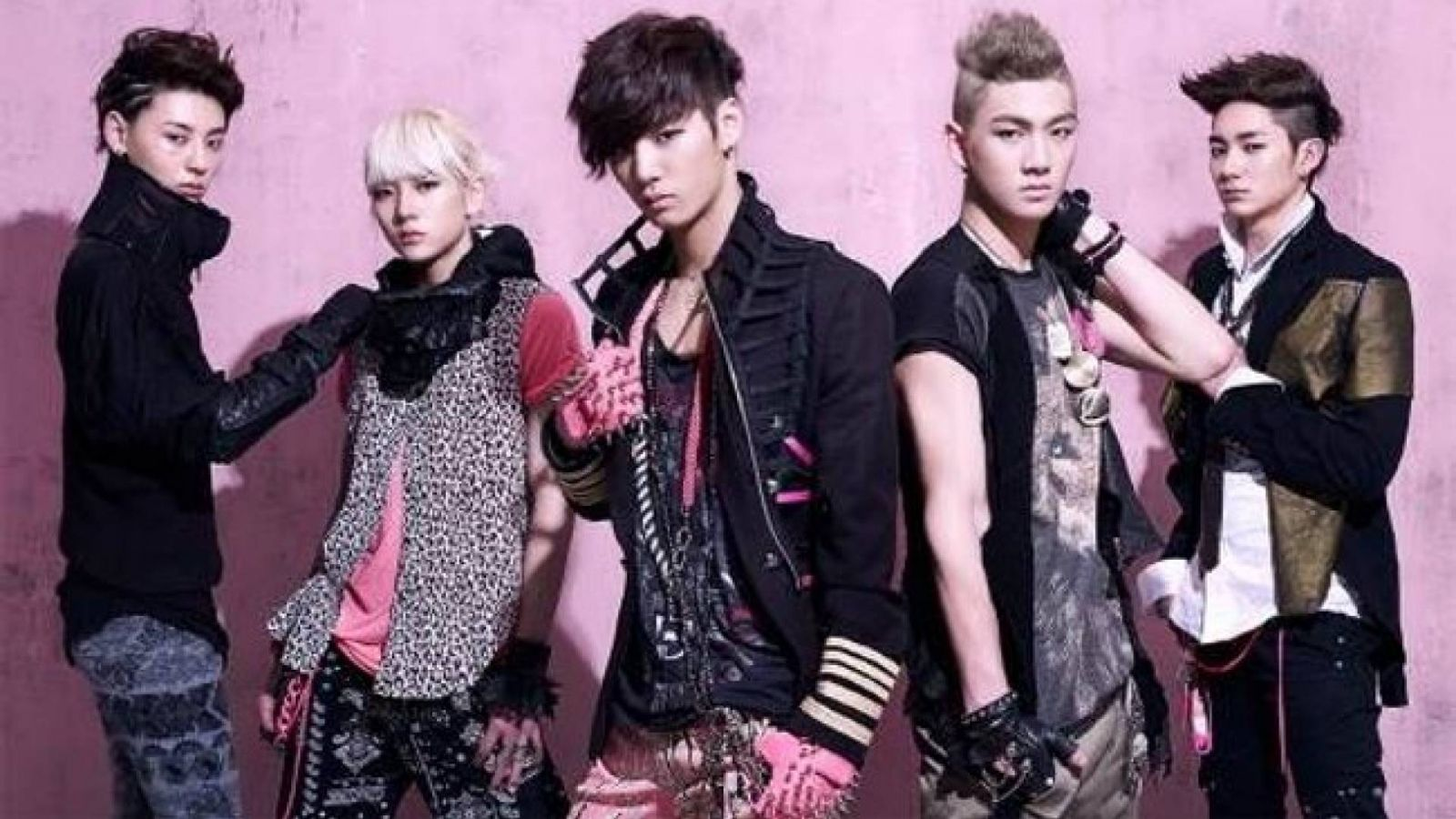 NU'EST © Pledis Entertainment