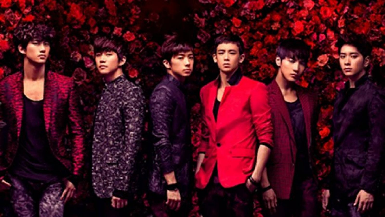 2PM Greatest Hits © JYP Entertainment / 2PM