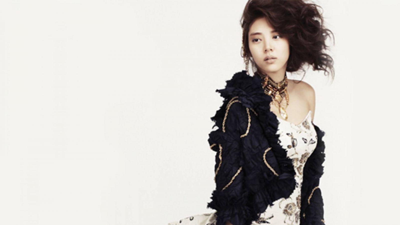 Son Dambi adia seu comeback © Pledis Entertainment