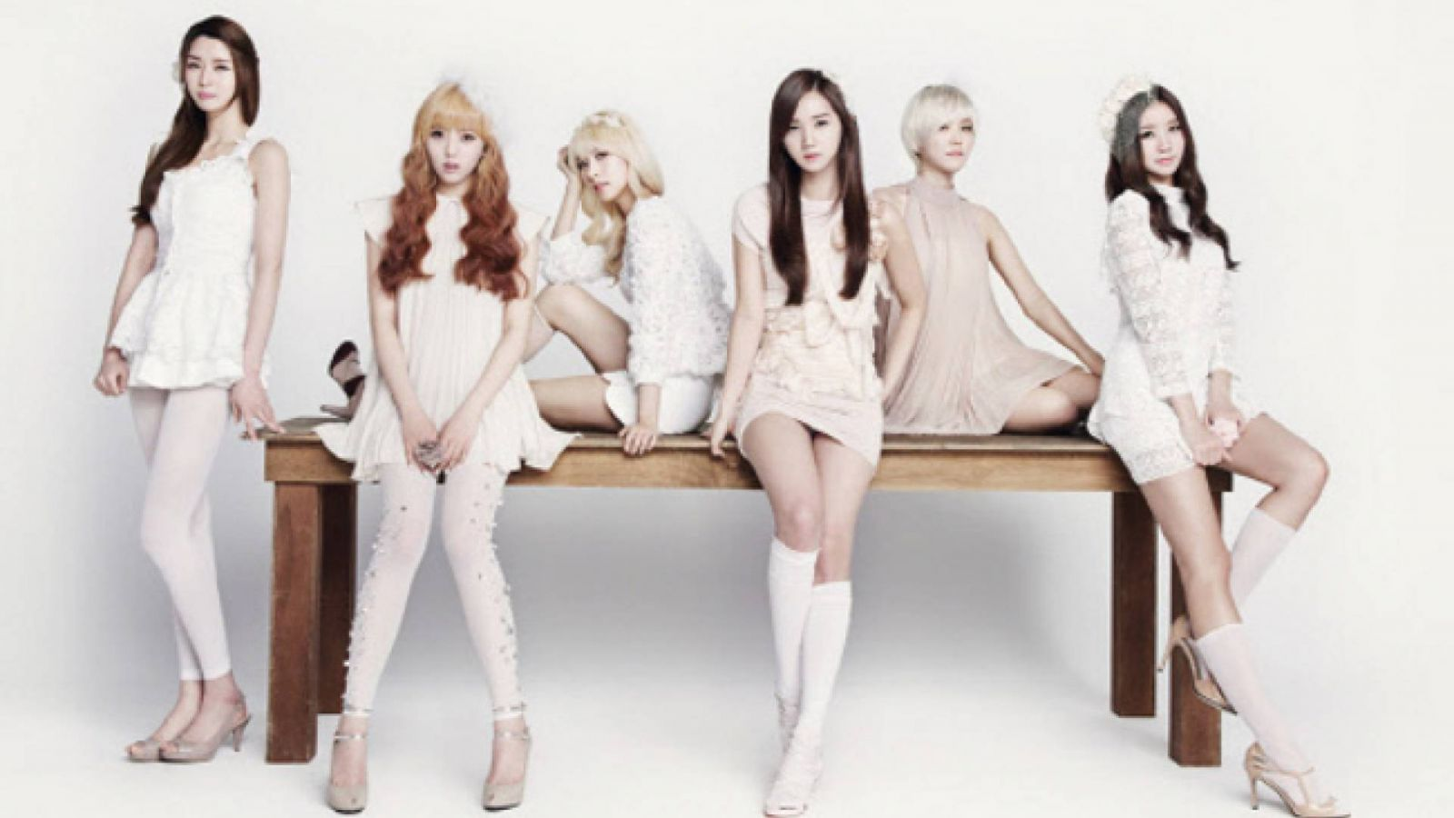 Hello Venus changes © Pledis Entetainment