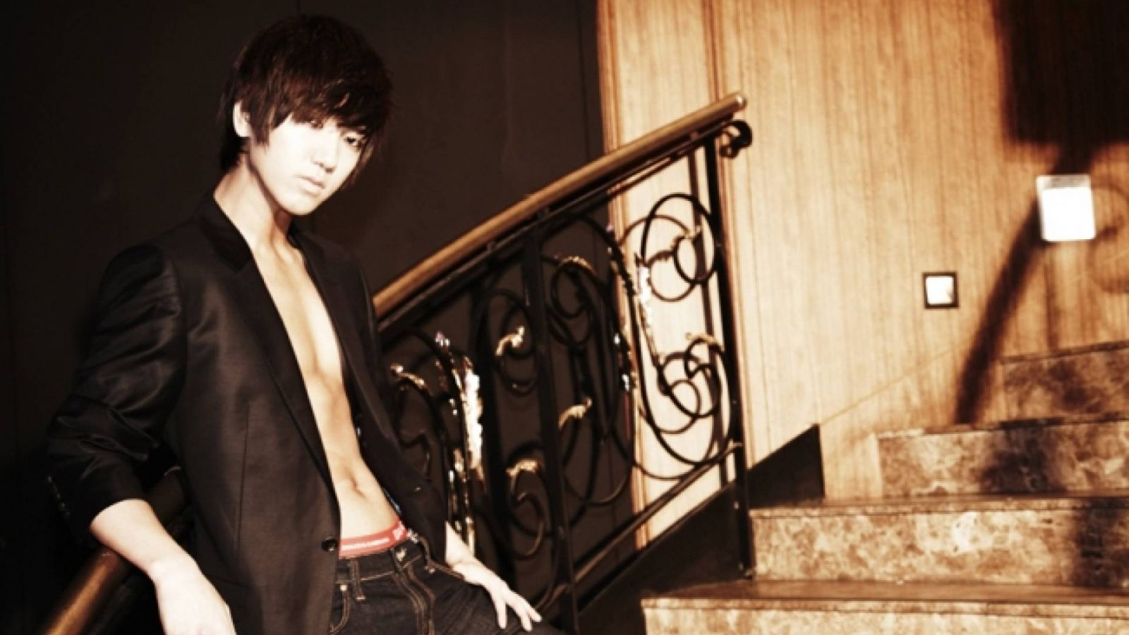 Super Juniorin Yesung astuu asepalvelukseen © SM Entertainment All rights reserved.