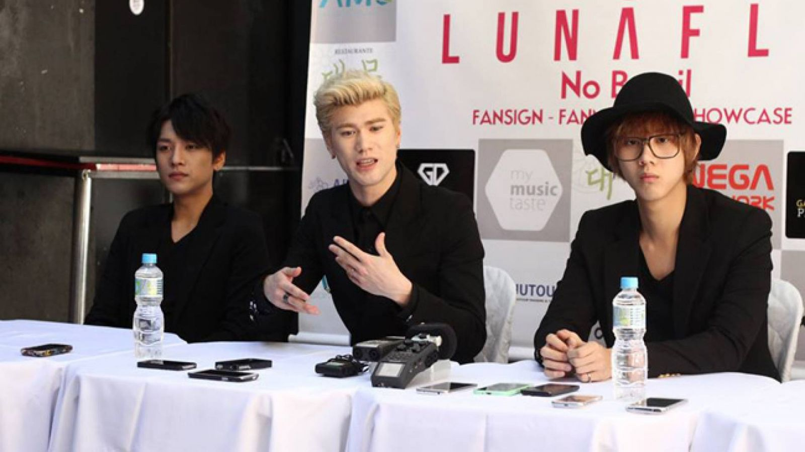 Press conference with LUNAFLY in Sao Paolo © Dennis Himura