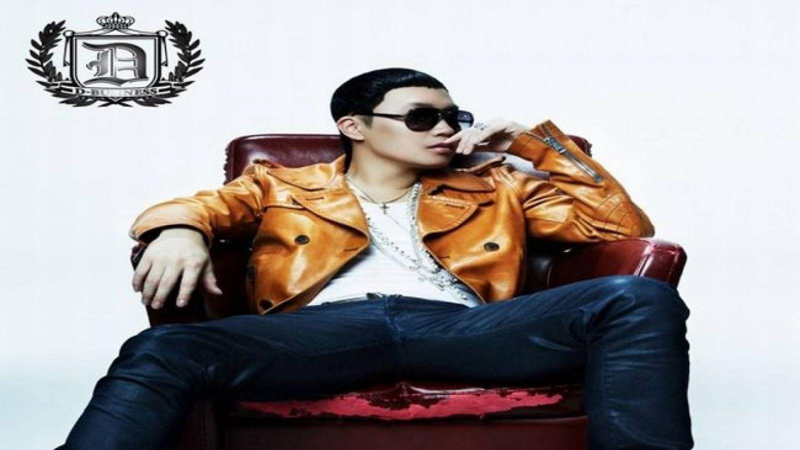 Tae Wan © D-Business Entertainment