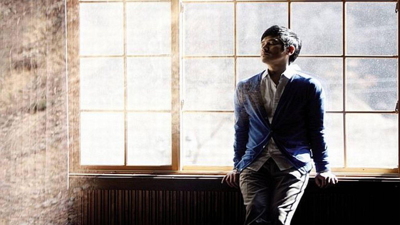 Apology, comeback de Bobby Kim © Mwave, Oscar Entertainment