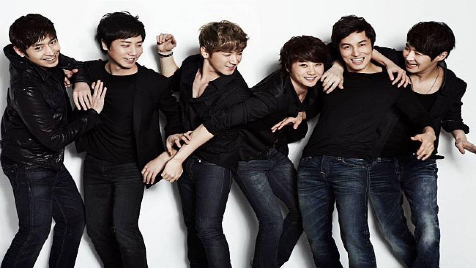Shinhwa fará comeback em fevereiro de 2015 © Shinhwa Company