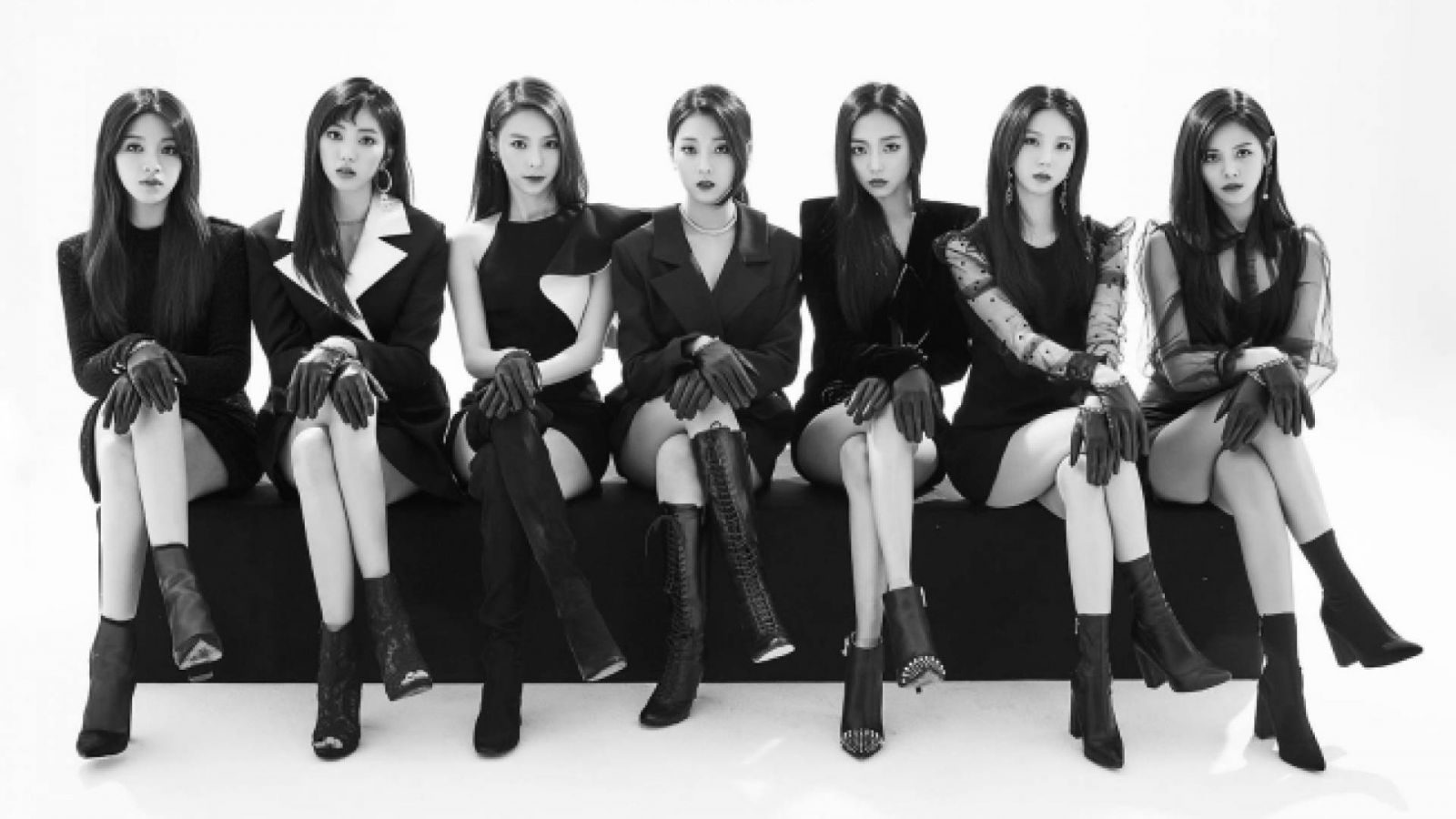 CLC:n uusi minialbumi Black Dress ilmestyy torstaina © Cube Entertainment. All Rights Reserved.